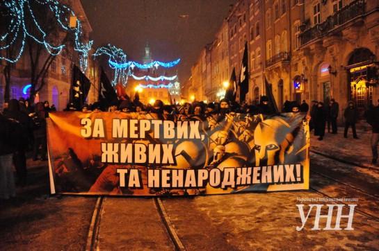 """""""Перспективы туманные и тревожные. Единственный, по-настоящему хороший выход, это разворачивание социальной, классовой борьбы, особенно учитывая нынешнее катастрофическое положение украинских трудящихся, которое к тому же постоянно ухудшается"""""""