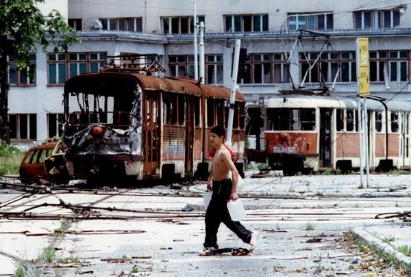 Национализм разрушил югославское государство. Национализм привёл к тяжелейшей боснийской войне / На фото: разрушенный Сараево