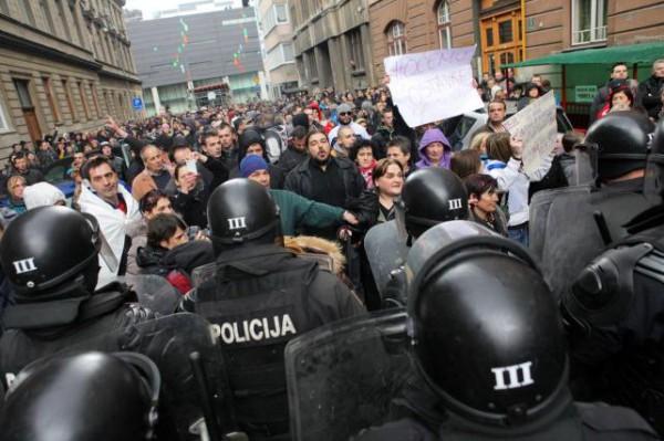 Осенью 2014 года города Боснии и Герцеговины охватили массовые социальные волнения