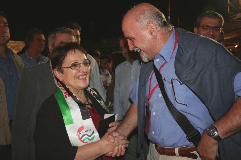 Бодуэн ДЕККЕРС с генеральным секретарём Коммунистической партии Греции (1991—2013) Алекой Папаригой