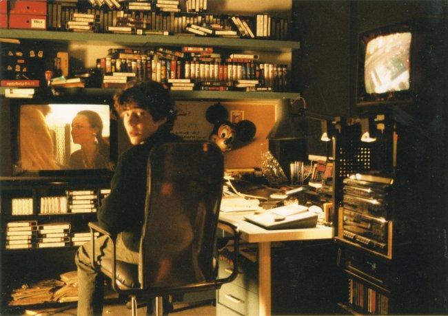 Кошмар, показанный в «Видео Бенни», имеет и социальный и метафизический уровень