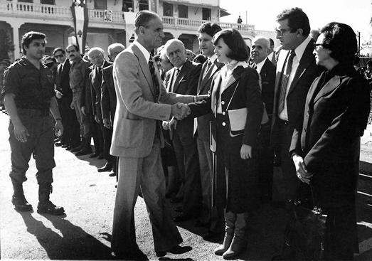 """Башир Жмайель вместе с отцом Пьером Жмайелем на 40-летней годовщине основания """"Котаиб"""" в 1977-м"""