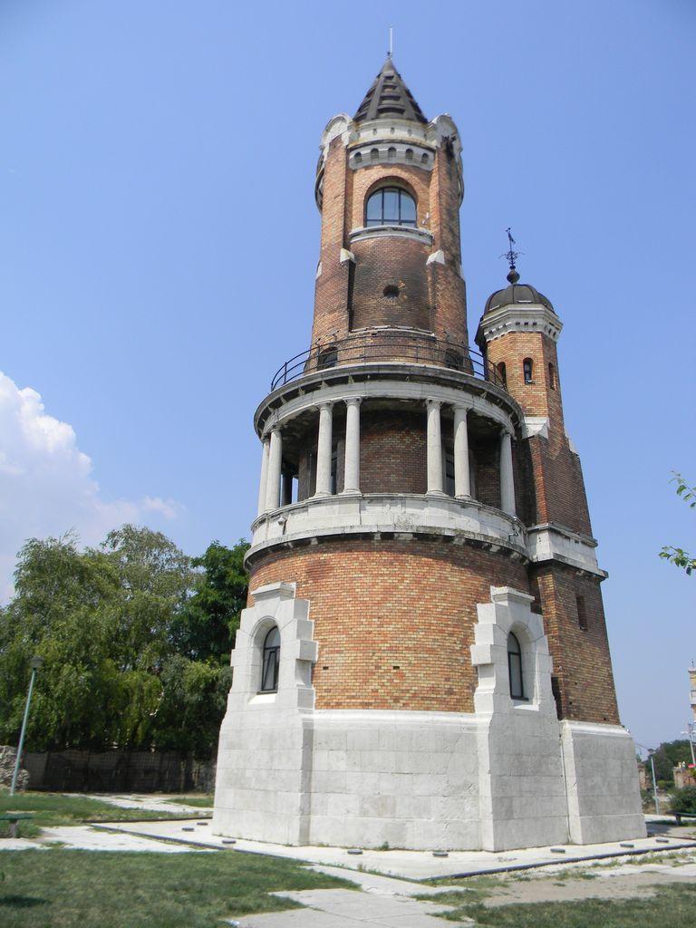 Сейчас Земун – район Белграда, а в июле 1914 года это был австро-венгерский город, откуда обстреливали столицу Сербии. Собственно говоря, с этого, а не с выстрела Гаврилы Принципа, и началась Первая мировая война