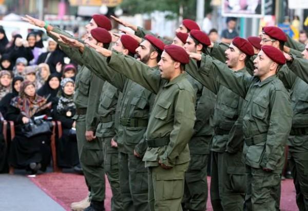"""После вывода израильских войск в 2000 году исламисты из """"Хезболлы"""" взяли под контроль юг страны, там фактически создано государство в государстве. Партия шейха Насраллы доминирует в шиитской — сейчас самой многочисленной — общине"""