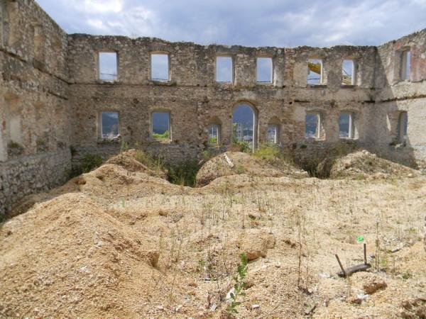 Руины православного храма в Мостаре