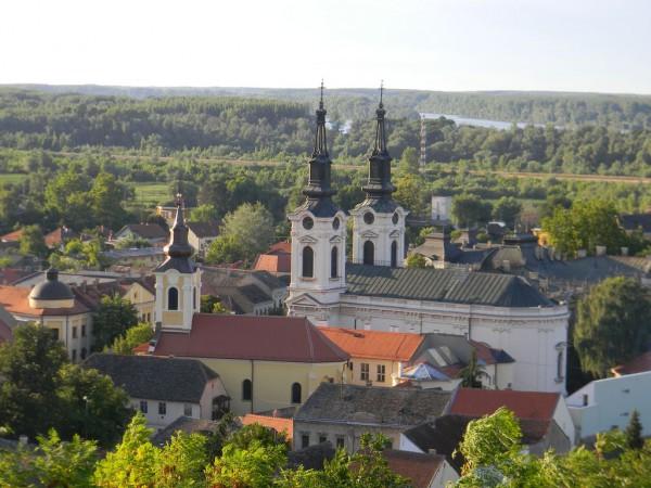 Старинный городок Сремски Карловцы — одна из твердынь сербского православия и одновременно — бастион сербского национально-освободительного движения