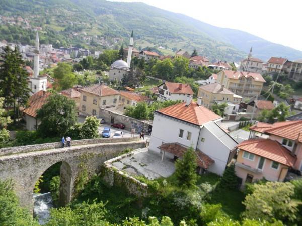 В 1463-м через Травник на христианское Яйце проходили войска султана Мехмеда II Завоевателя. В годы Второй мировой войны город был местом геноцида усташами сербов, цыган и евреев