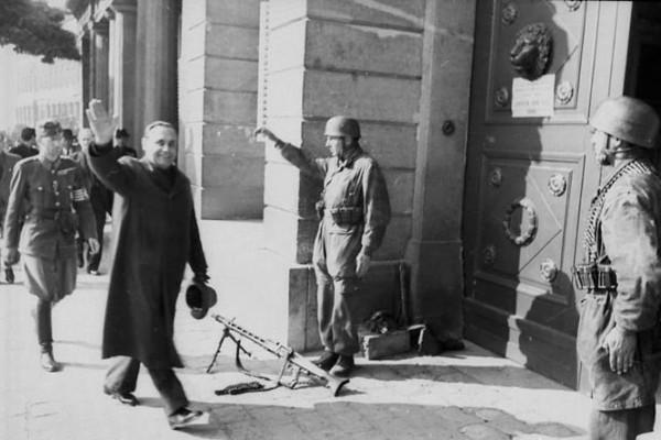 15 октября 1944 года Ференц Салаши стал «национальным лидером» Венгрии и премьер-министром её правительства. Под началом Салаши Венгрия остаётся последним союзником Гитлера.