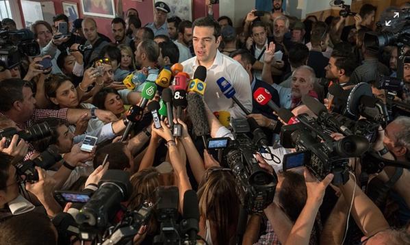Рекомпозиция в греческой левой, в самом деле, происходит, и отступление Ципраса, конечно, дало ей мощный толчок