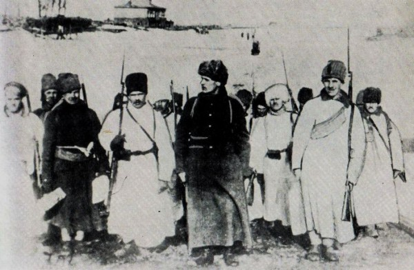 Красные курсанты возвращаются после подавления Кронштадтского восстания