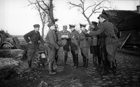 Бронислав Каминский и солдаты РОНА