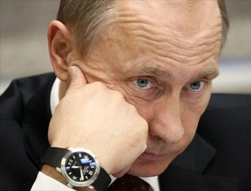 Только плебей будет носить часы за 500 тысяч долларов. Путин — король плебеев.