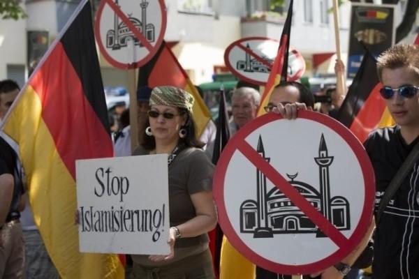 Манифестация против исламизации в Германии