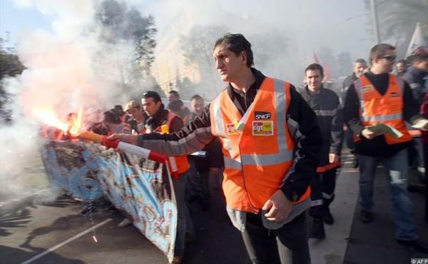В конце ноября - в декабре 1995 года во Франции прошли бурные массовые забастовки