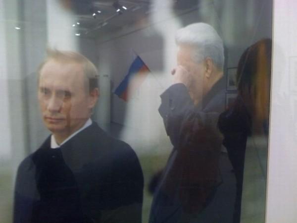 Не нужно думать, что Путин прервал демократическое развитие России. Он лишь довёл до логического конца чётко обозначившиеся в 90-годы тенденции