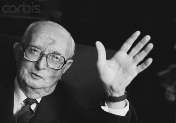 Морис Бардеш (1907-1998) отмечает в своей книге «Что такое фашизм?», что ни один режим не интересовался «моральным здоровьем» общества больше, чем фашистский