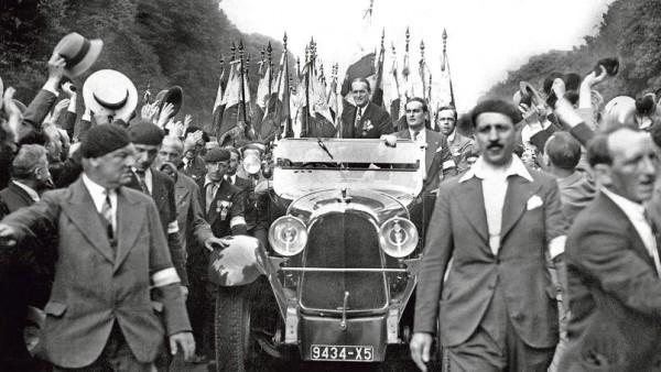 Существование и массовые демонстрации «Огненных крестов» послужили целям левых как доказательство их тезиса, что только Народный фронт может справиться с нависшей угрозой фашизма