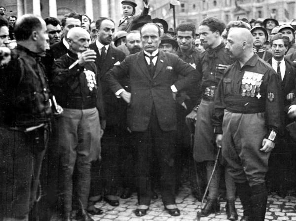 Слева направо: Эмилио де Боно, Итало Балбо, Бенито Муссолини, Чезаре Мария де Векки