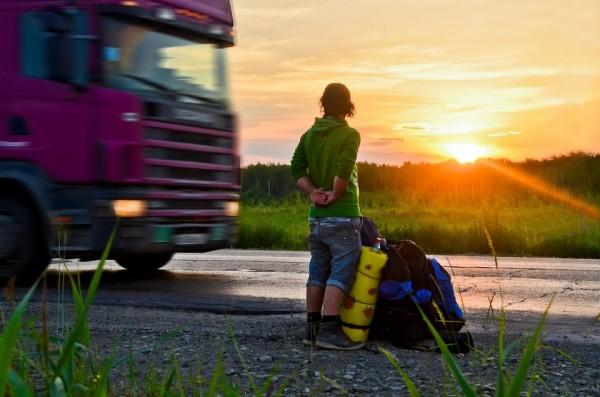 """""""На дороге обычно происходит отбор людей - плохой человек тебя никогда не возьмёт. Тебя всегда возьмут интересные, симпатичные люди"""""""