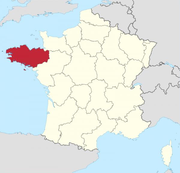 """""""Бретань — удивительный и чудный уголок природы, куда именно ради этой природы приезжают люди со всей планеты. Угроза забыть о такой Бретани для будущих поколений более чем реальна"""""""