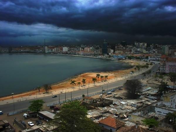 Цены на жильё в богатых кварталах ангольской столицы, Луанды, «не меньше, чем на Елисейских полях»