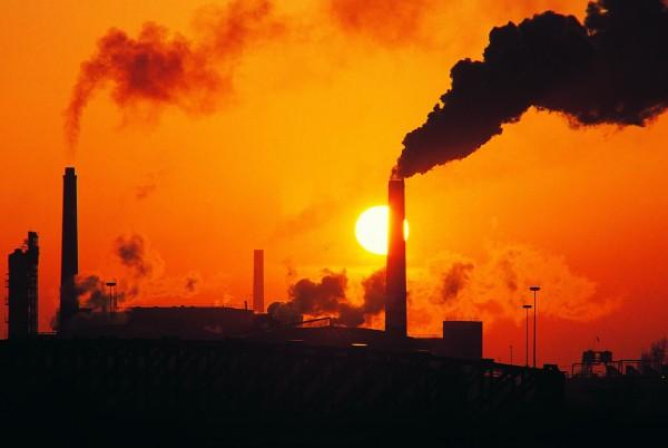 Целью парижской конференции было заключение первого в истории глобального и обязательного к исполнению соглашения по сокращению выбросов парниковых газов