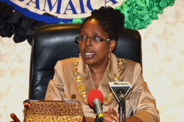 Заместитель председателя Народной национальной партии Анжела Браун-Бурке возглавляет городскую агломерацию Кингстона