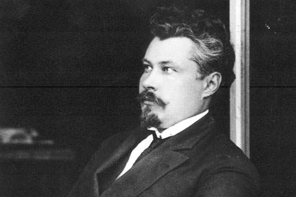 Чернов — теоретик, и многие говорили, что без него не было бы эсеровской идеологии. Его лидерство признавали, но при этом харизмой лидера, навыками руководителя он не обладал, что сам и подтверждал