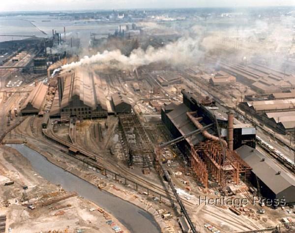 """Лакаванна, Нью-Йорк. Комбинат компании """"Бетлехем Стил"""". Сейчас на его месте - ветряные электростанции"""