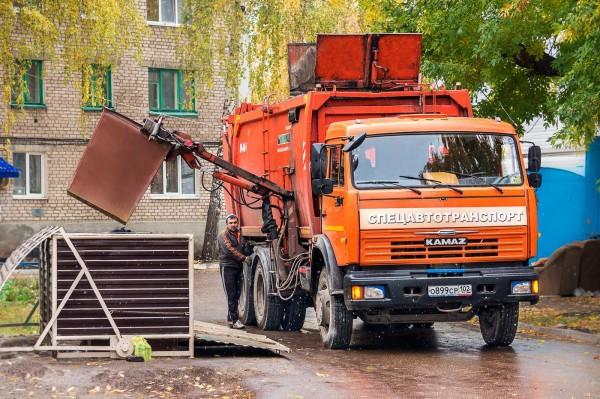С этого года во всех регионах появятся региональные операторы по вывозу твёрдых бытовых отходов (ТБО), которых выберут на конкурсной основе