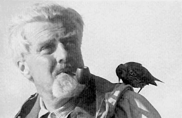 Конрад Захариас Лоренц (нем. Konrad Zacharias Lorenz; 7 ноября 1903, Вена — 27 февраля 1989, Вена) — выдающийся австрийский зоолог и зоопсихолог[1], один из основоположников этологии — науки о поведении животных, лауреат Нобелевской премии по физиологии и медицине (1973, совместно с Карлом фон Фришем и Николасом Тинбергеном)