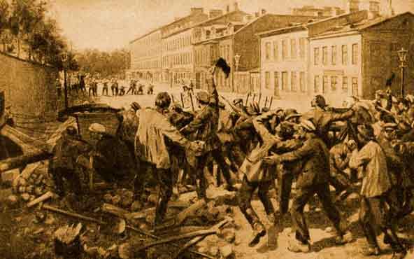 Вечером 7 июля на Выборгской стороне рабочие уже начали воздвигать баррикады. На Безбородкинском проспекте (с 26 декабря 1918 года — Кондратьевский проспект) рабочие опрокинули восемь трамвайных вагонов и таким образом заблокировали проезд