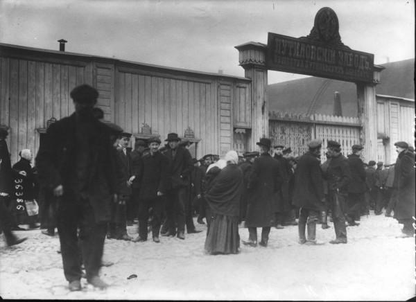 Расстрел путиловцев вызвал негодование в рабочей среде Петербурга. 4 июля 1914 года забастовал весь Путиловский завод — 22 тысячи человек, а всего 4 июля в столице отказались от работы 90 тысяч рабочих