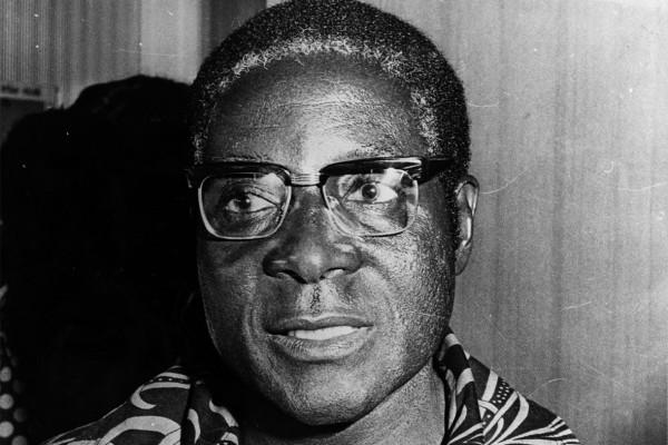 Роберт Мугабе стал злобным и коррумпированным