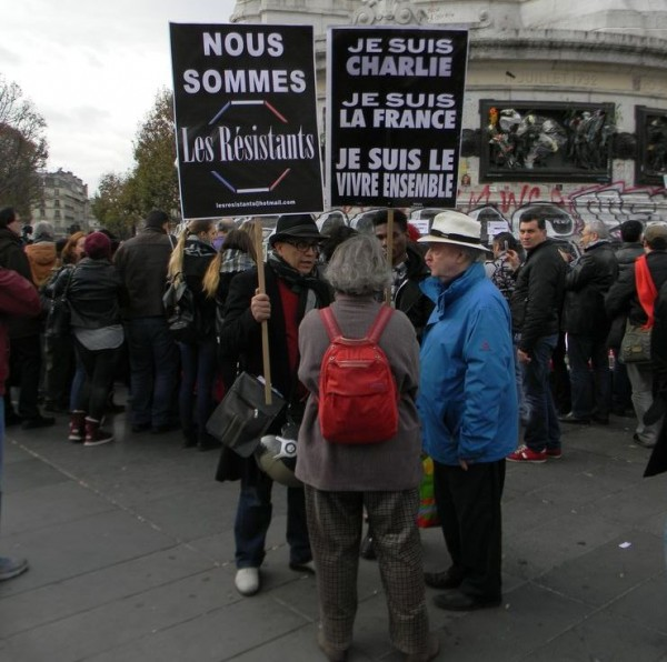 Всё это пацифистское паясничанье, которое наблюдалось в Париже после терактов в ноябре, а до этого — после расстрела редакции Charlie Hebdo, — проявление вырождения идеологии мая-1968