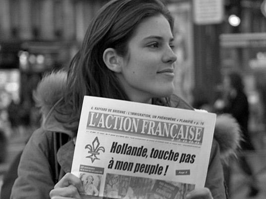 """Старое название — в варианте """"Action française hebdo"""" — было «легализовано» в 1992 году редактором Пьером Пюжо (сыном Мориса), ранее использовавшим его в студенческой прессе. С 1998 года журнал выходит два раза в месяц под названием """"Action française 2000"""" и ныне имеет свой сайт"""