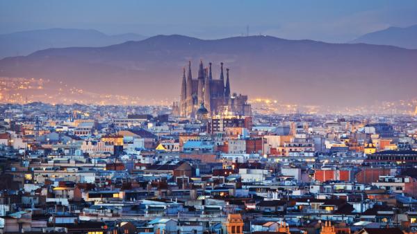 Барселона, где сейчас проживают 1,6 млн человек, за последние десятилетия, особенно после проведения в 1992 году там летней Олимпиады, превратилась в один из самых дорогостоящих городов «Старого Света»