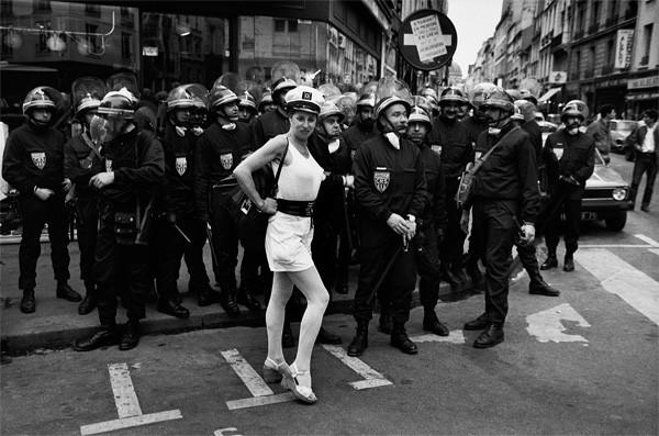 После войны по остаткам антиэнтропийной культуры был нанесен добивающий удар в виде событий 1968 года и сексуальной революции / На фото: Париж, май 1968 года