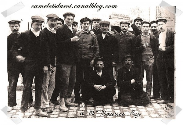 """Количественно не столь многочисленное (в 1934 году, на пике успеха, оно насчитывало около 130 тысяч человек) движение брало дисциплинированностью и сплочённостью рядов, пополнявшихся талантливой молодежью из элиты / На фото - члены молодёжного крыла """"Французского действия"""" - """"Королевские молодчики"""""""