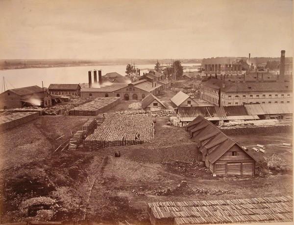 Обуховский завод (названный так по фамилии одного из его основателей — учёного-металлурга Павла Обухова) располагался в селе Александровское, которое, по сути, представляло собой рабочее предместье