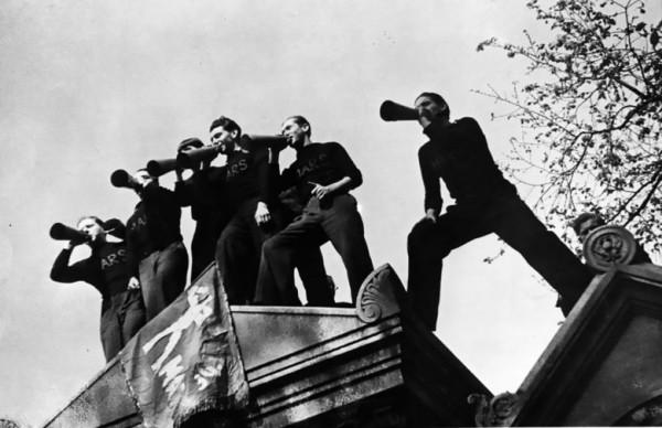 80 лет назад, в мае-июне 1936 года, Францию сотрясала всеобщая забастовка. Рабочие оккупировали заводы