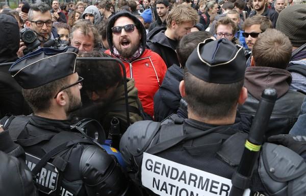 Полиция задержала 30 человек на манифестации против реформы трудового законодательства