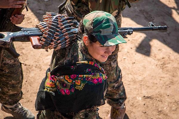 Немалый вклад в победы курдских вооружённых формирований вносят женщины