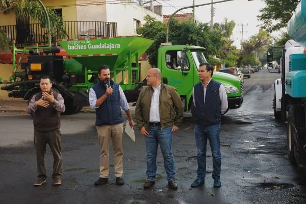 Во главе муниципалитета Гвадалахары с 2015 года стоит алькальд (мэр) 43-летний Энрике Альфаро Рамирес (третий слева), представляющий парламентскую партию левой ориентации Гражданское движение (ГД), входящую в левую коалицию Широкий прогрессивный фронт