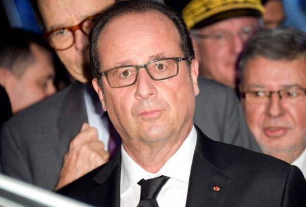 За пять лет личный парикмахер президента Франсуа Олланда должен получить 593 700 евро
