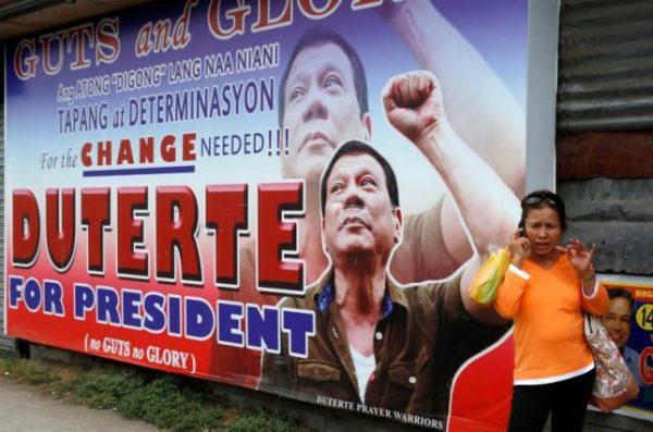 71-летний Родриго Дутерте, многие годы проработавший на посту мэра города Давао (он расположен на острове Минданао) - довольно нетипичная для традиционной левой политической культуры фигура / REUTERS/Erik De Castro