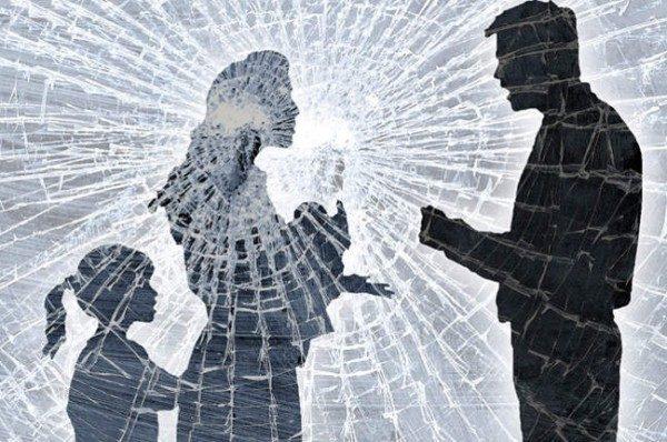 Ежегодно в результате домашнего насилия в России гибнет 12-14 тысяч женщин. По одной каждые сорок минут!