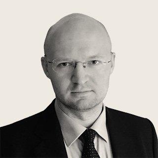 Виталий Казаков - Директор программы «Экономика энергетики» в РЭШ. Закончил мехмат МГУ в 2001 году, в 2003-м стал выпускником РЭШ. Работал в JPMorgan Asset Management с 2003 по 2014 годы. Автор блога http://vitalykazakov.com/