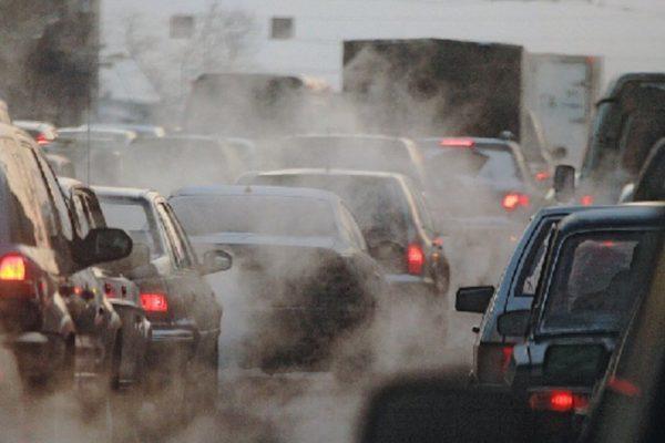 Основными источниками загрязнения воздуха являются неэффективные виды транспорта, бытовое топливо и сжигание отходов, работающие на угле электростанции и промышленная деятельность