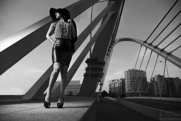 В объективе Милены Савичевой - современная русская женщина: соблазнительная и целеустремлённая обитательница мегаполиса